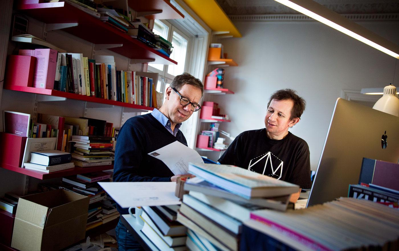 Patrik Hadenius på Vetenskapsmedias kontor. Foto: Jessica Segerberg / Allt om Tidskrifter