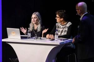 Irena Pozar diskuterar med Helle Klein och Andreas Ekström